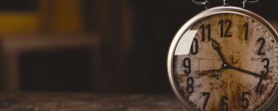 According To Einstein, Time Is An Illusion. This Video Proves It