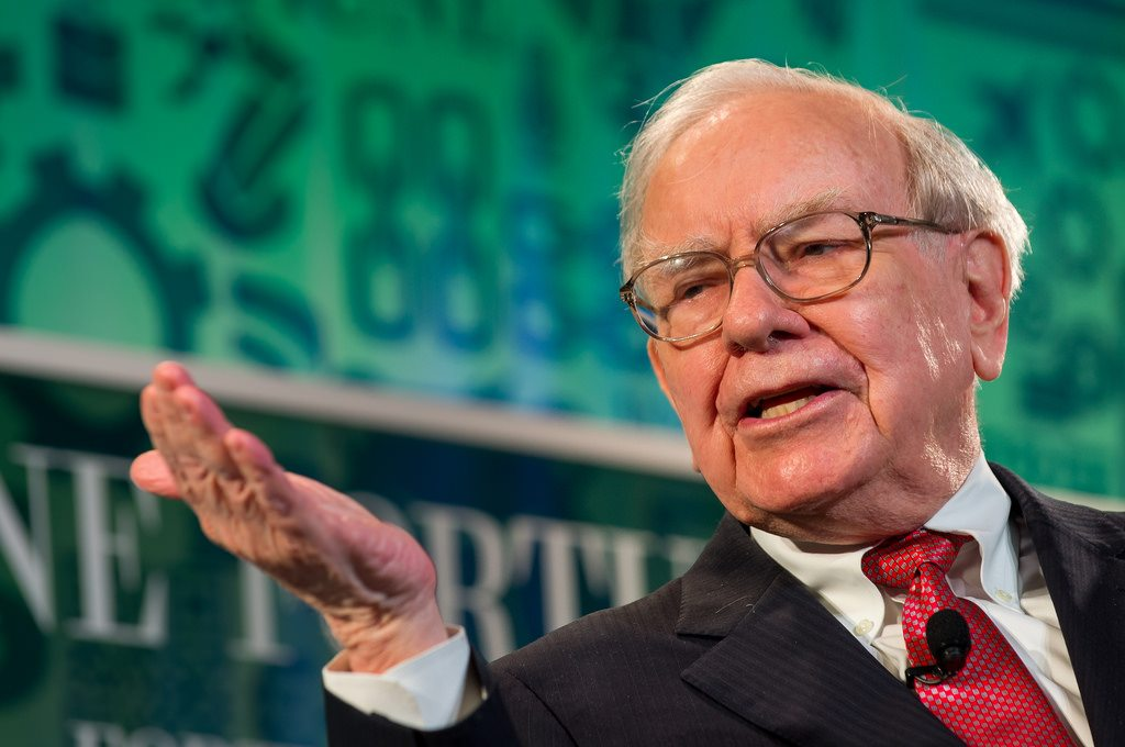 """Warren Buffett: """"It's better to hang out with people better than you"""""""